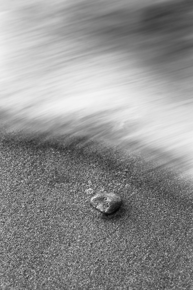 sasso, mare, sabbia, la ricerca il viaggio Lunghe esposizioni