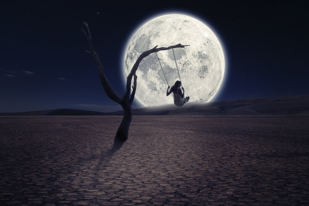 L'altalena la donna, la luna